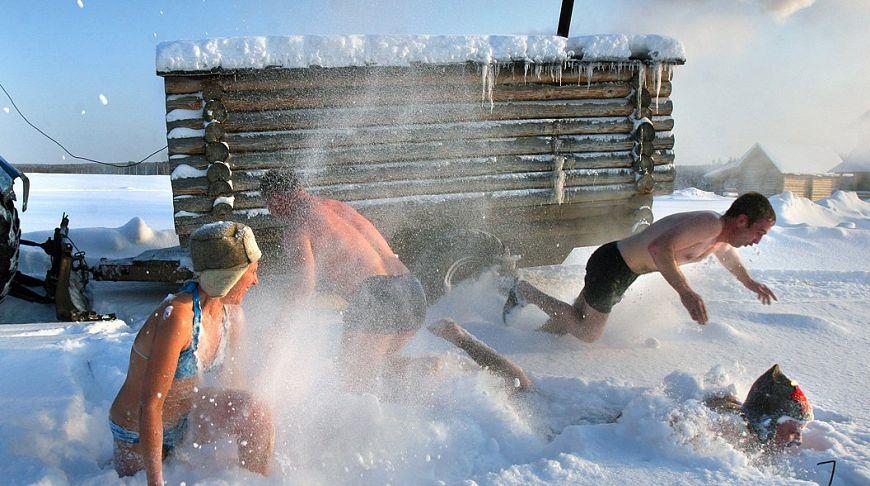 Как прыгать в снег после бани?