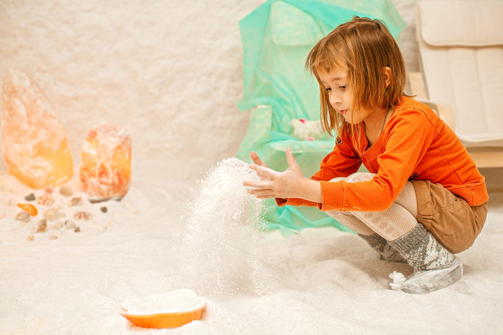 Как посещать соляную комнату детям?