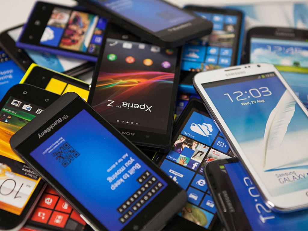 Как выбрать мобильный телефон б/у?
